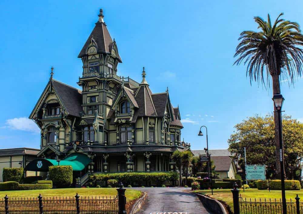 Carson Victorian mansion in Eureka, California. Source: Victoria.