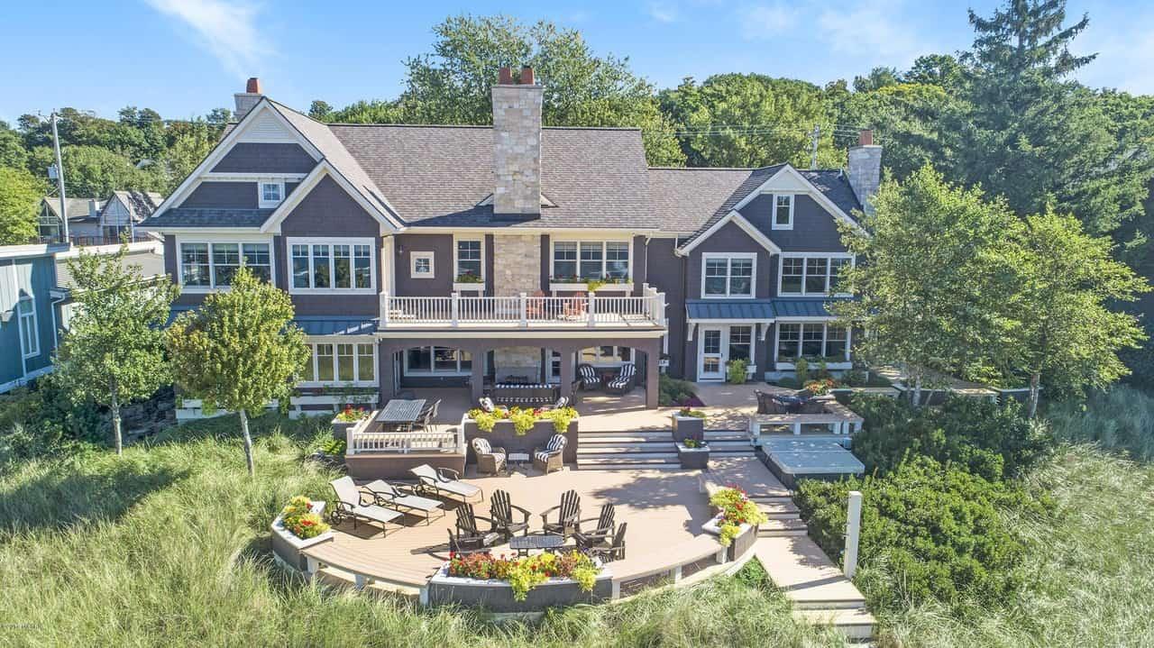 Incredible Lake Michigan beach house with 115 feet lake front