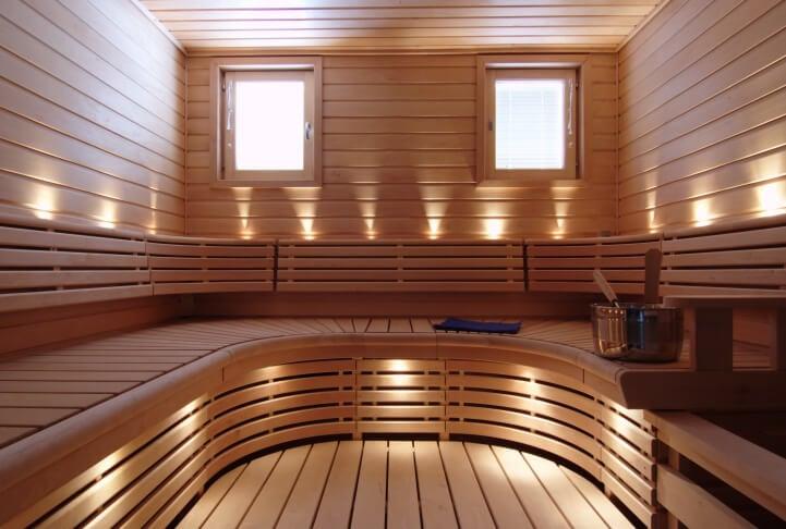 U-curve sauna bench design