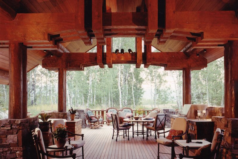 Large partially covered deck.