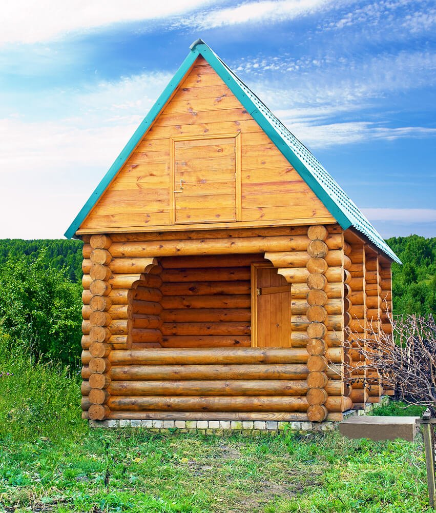 Large log sauna hut