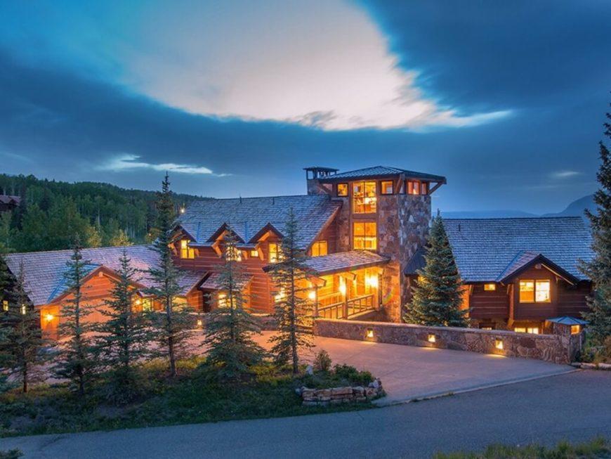 Ski chalet in Colorado