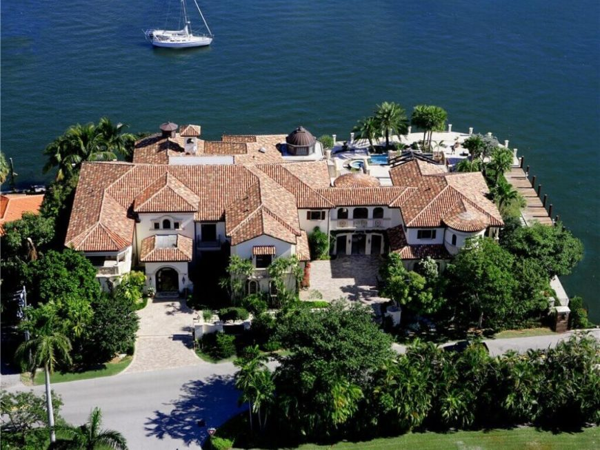 Aerial view of Florida mansion on the waterway