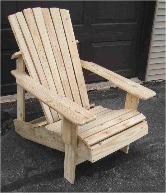 DIY Wooden Pallet Adirondack Chair