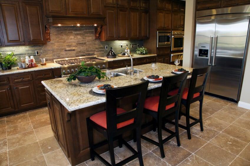 52 Dark Kitchens With Wood Or, Best Backsplash For Kitchen With Dark Cabinets
