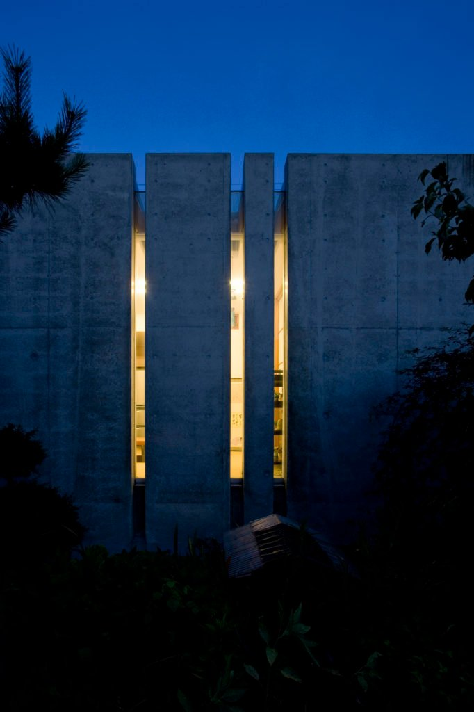 As seen here, at night the privacy of the home is maintained, allowing a minimal view from outside.