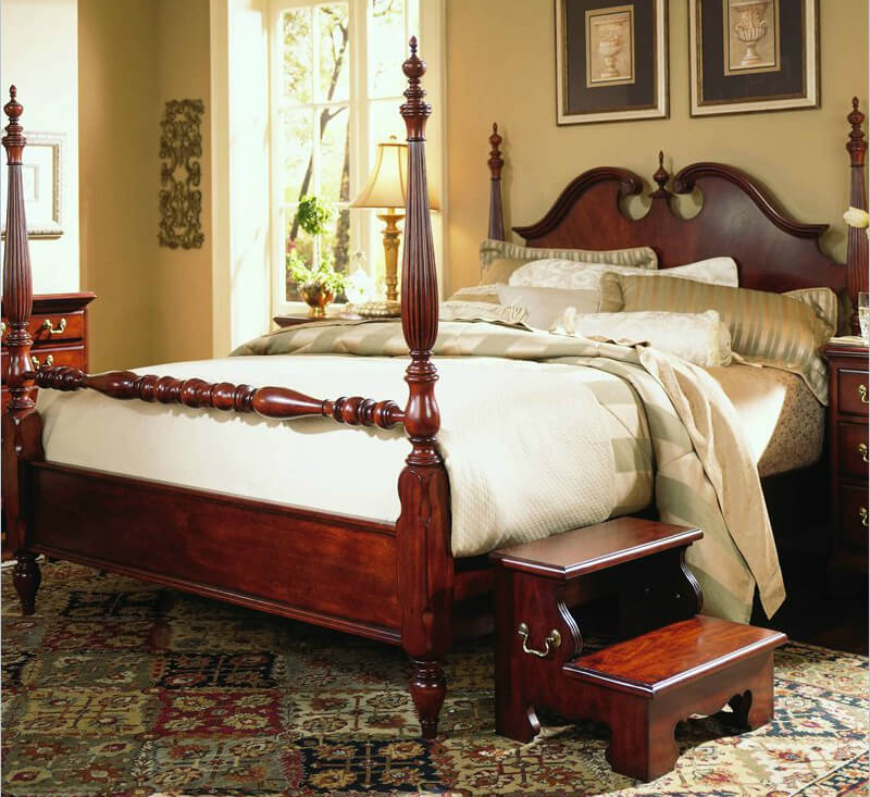 Like any traditional furniture, a bed of this style echoes the timeworn visual touches that have stayed with us for centuries.
