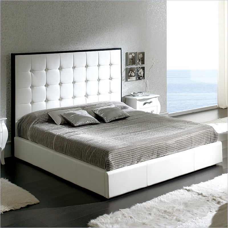 Queen size is the most popular bed sold. This size is ideal for two adults who would like to save living space, in relation to a king. It's also popular for single adults who simply like to spread out.