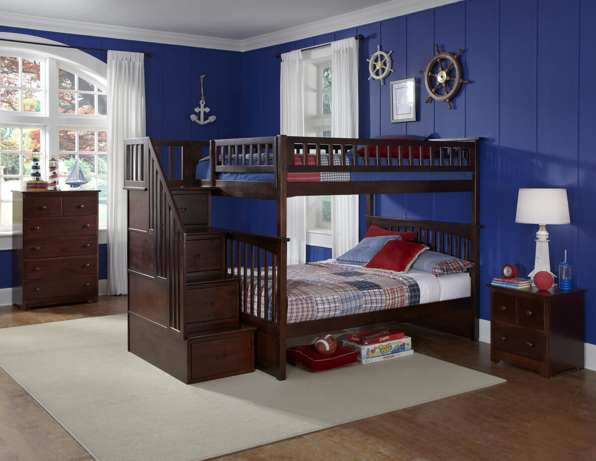 Wood is the most popular material for crafting bunk beds by some distance. It offers extreme versatility in shape, style, and color, as well as a rich, sturdy construction that ensures a complicated structure like the bunk bed lasts for years.