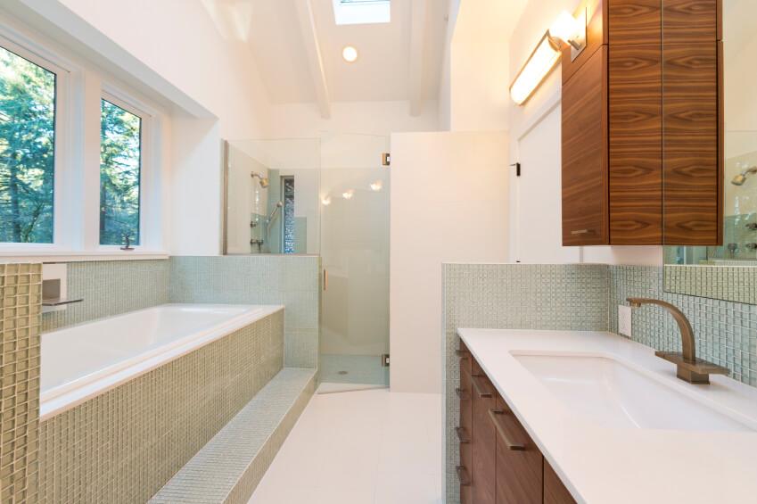 26-bathroom-with-skylight