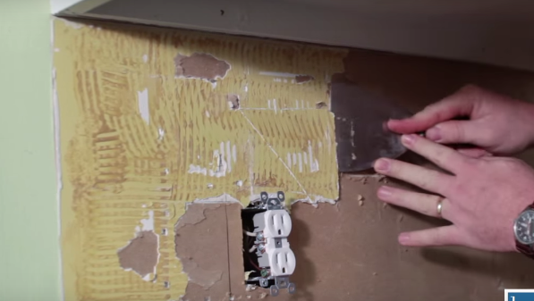 Prepare your wall surface by removing all loose debris, like paper or old glue cleaned off the wall. If you are tiling on a painted surface, rough up the paint a little with sandpaper.