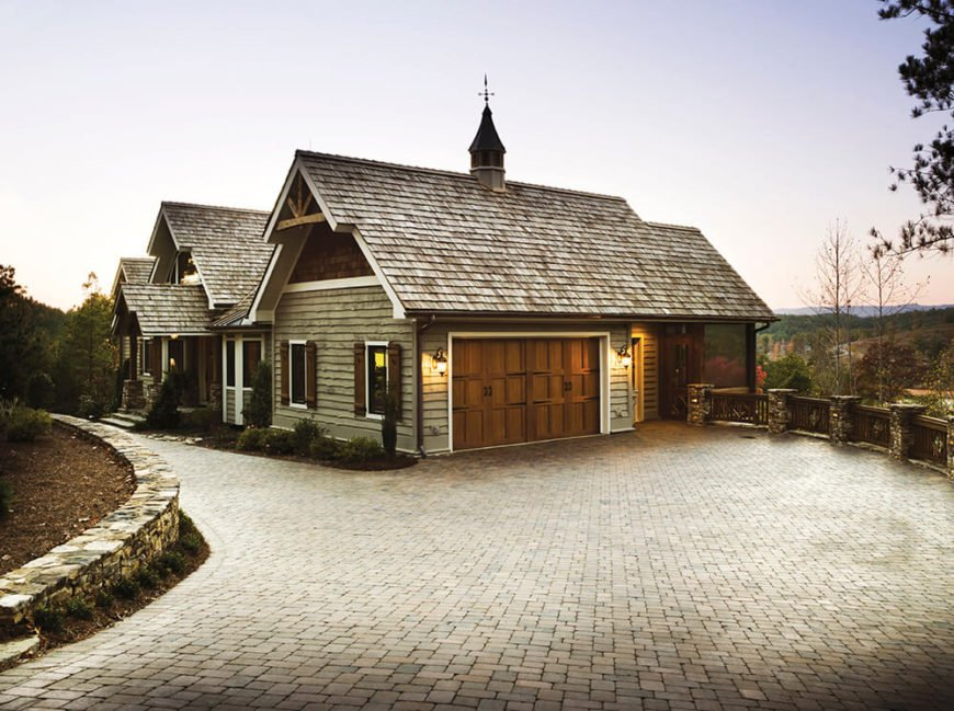 Of course, smooth shingles are not for everyone. No matter how modern your home is, rustic shingles can create a stunning contrast.