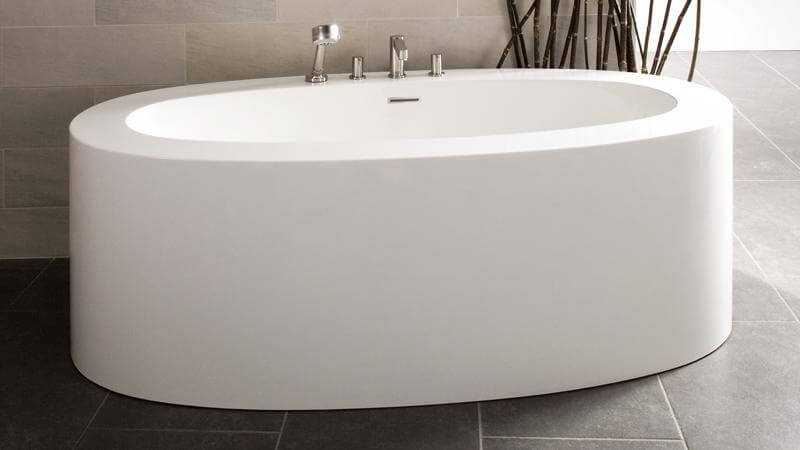 The BOV-02 features much thicker edges than the previous models in the OVE collection, and offers enough space for a single bather to submerge completely. The tub is available as a freestanding installation only, and comes in a glossy or matte finish.