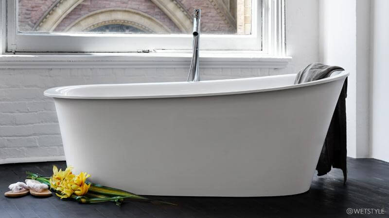 The Tulip collection aims to take a classic shape into the modern age, evoking a feeling of freshness and of new spring tulips blossoming. The BTP01 is available in True High Gloss™, matte, or in the dual finish, which is a gloss interior and matte exterior.