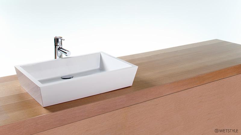 At six inches longer than the VC 815A sink, the VC 821A sink is more suited for a medium size vanity. The flawless, clean finish complements other modern bathroom fixtures and furniture to perfection. This sink requires wall or countertop plumbing installation and is available in True High Gloss™ or matte finishes.
