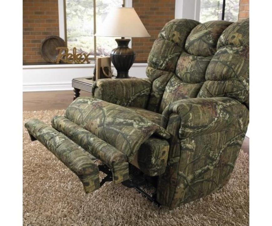 Perfect for the hunting themed man cave, this plush recliner features Comfort Coil Seating with Comfor-Gel, making it one of the cushiest, comfiest chairs on our list. 50 independent coils in the foam and fiber of the seat ensure lasting comfort and uniform shape, while the proprietary reclining mechanism makes for smooth, quiet adjustment and lasting durability. This thing is built tough!