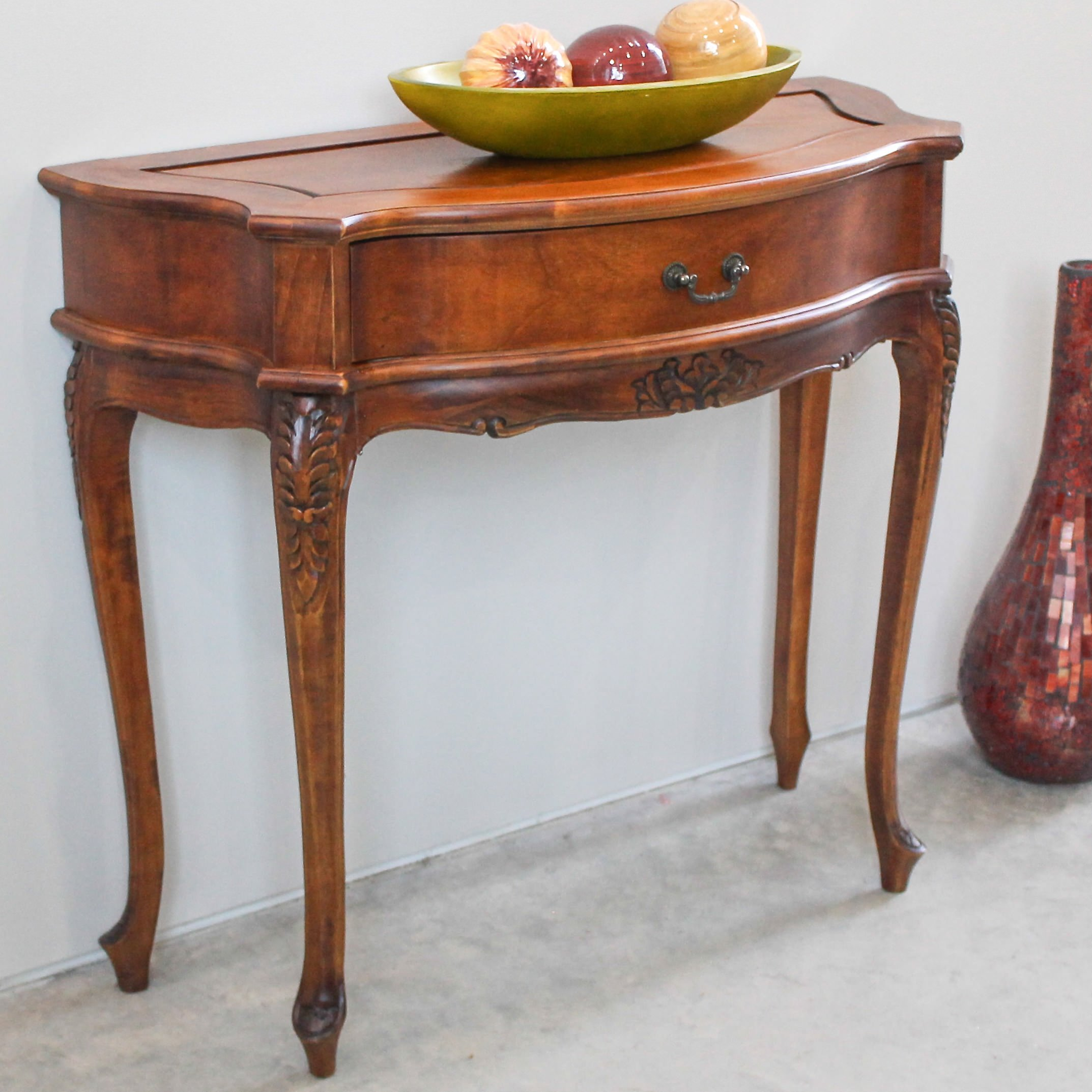 Free-form foyer table photo