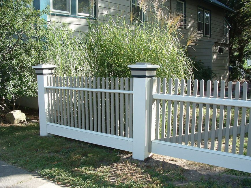 The element on these fence posts tie together the sleek and clean design.