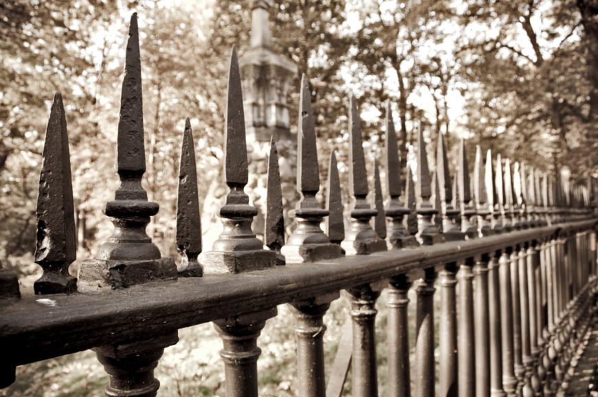 A simple fence with extra top spikes.