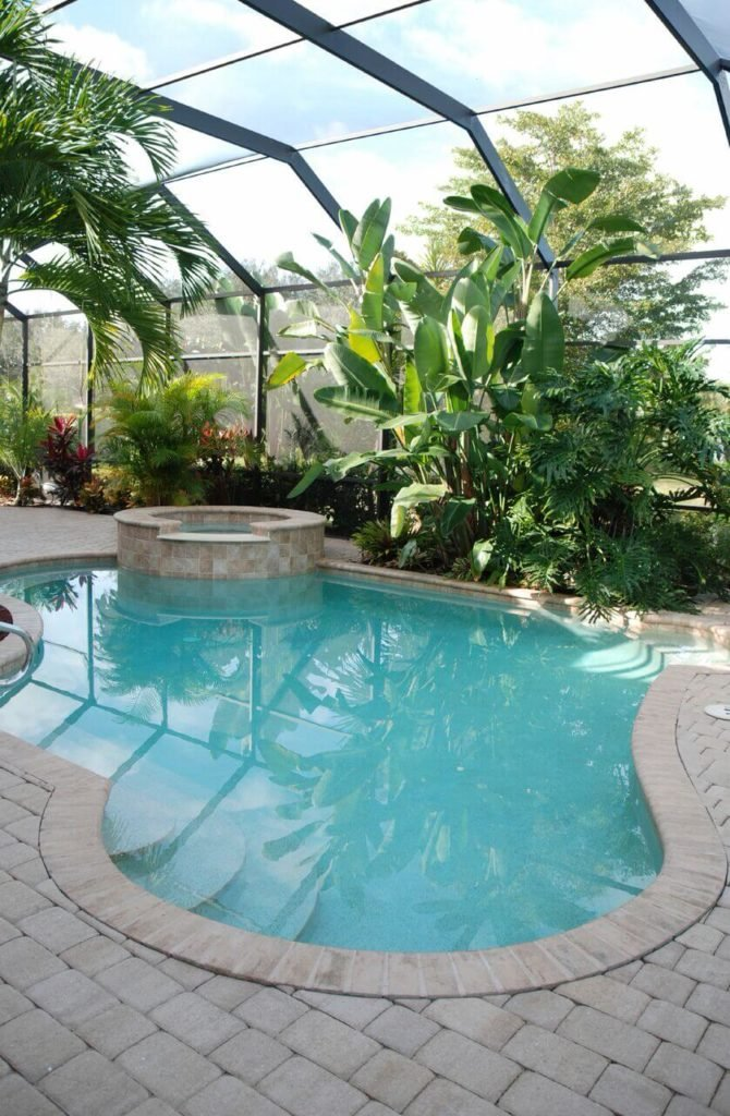 This freeform shaped plunge pool is enclosed and surrounded by greenery. Making this spot a truly tranquil one.
