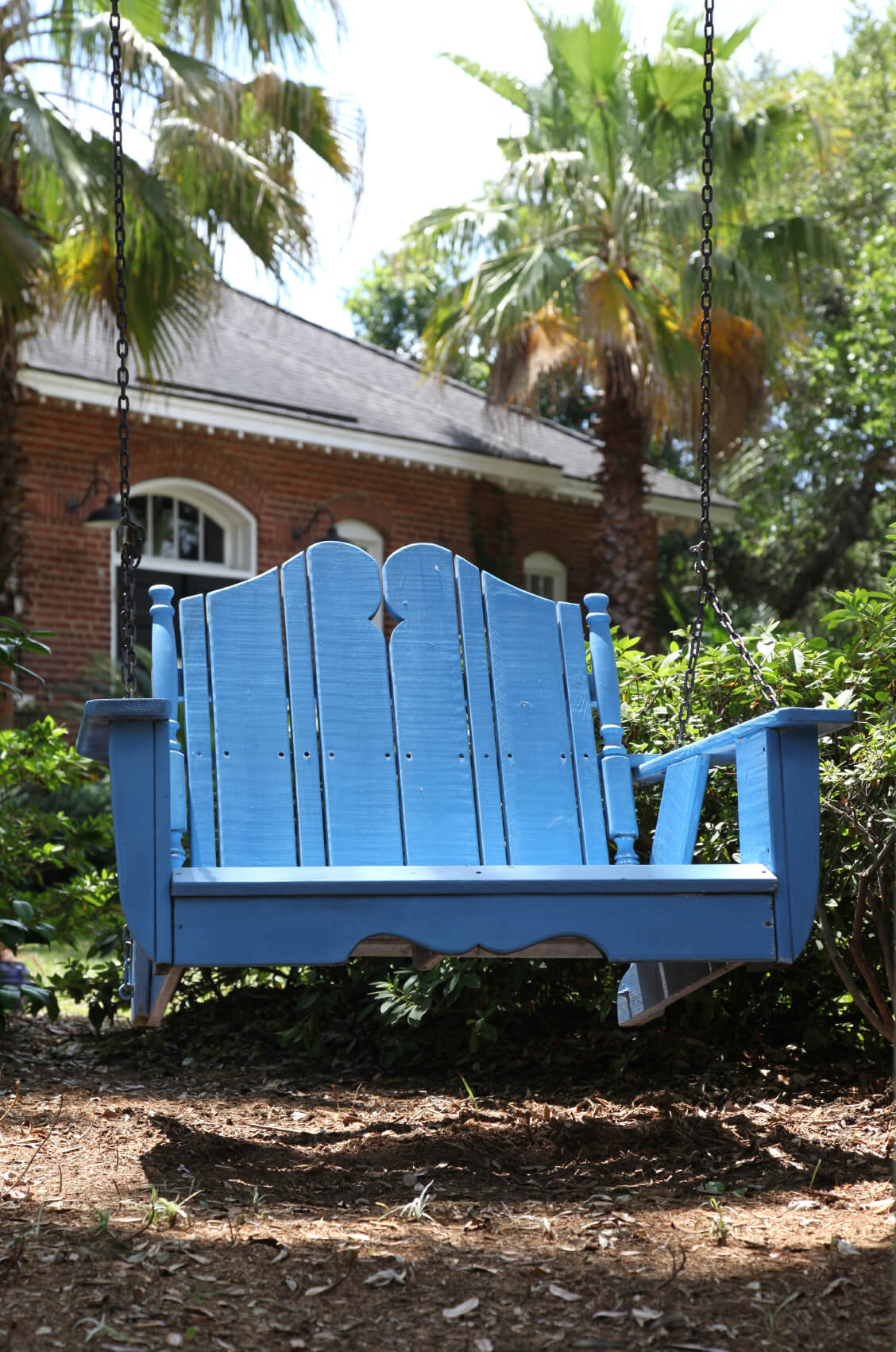 The good thing about having a swing made from wood is that wood is a material that accepts paint and finishes very well. This means that wooden swings can be painted to match any design.