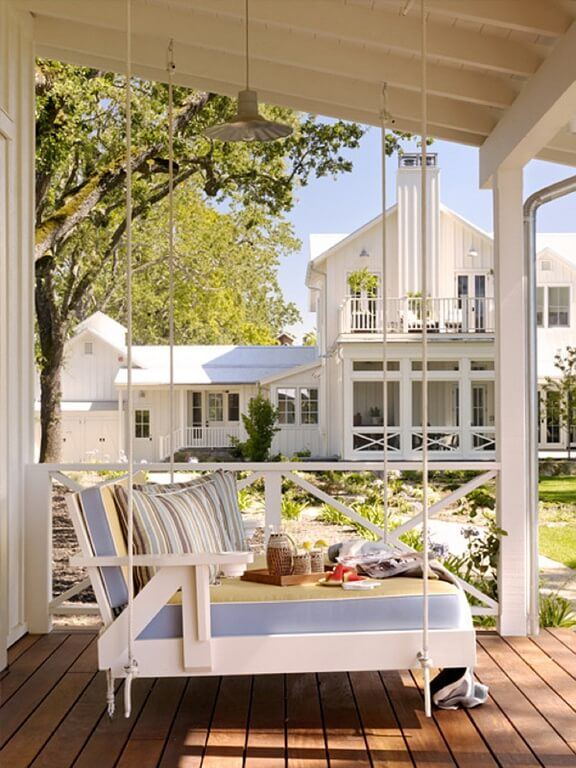 This porch swing has a long, wide design. It allows for you to be laid back and relaxed as you enjoy a morning coffee and breakfast, an afternoon tea, or simply lying back with a loved one enjoying the weather.