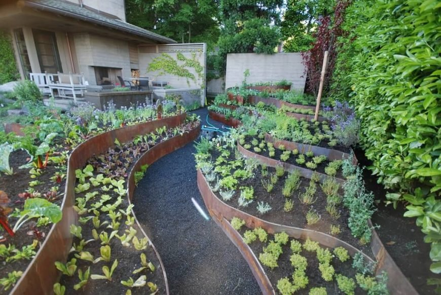 This vegetable garden has raised garden beds at different levels. The multiple levels of this garden allows for a great deal of organization, as well as a fantastic visual appeal.