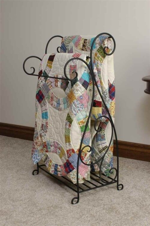 Wrought-Iron Free-Standing 3-Bar Wire Quilt Stand