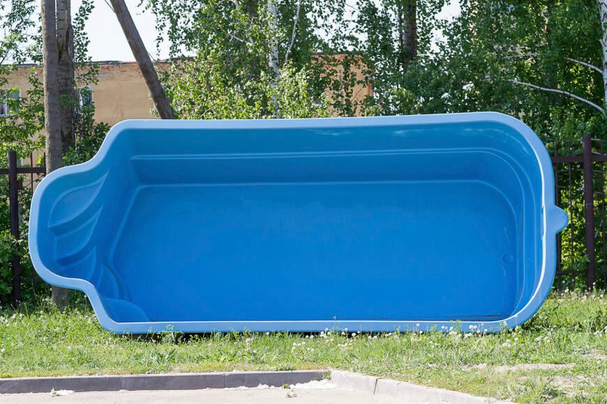 Here is a vinyl pool ready to be installed. This is a smaller wading pool, perfect for a small family or couple.