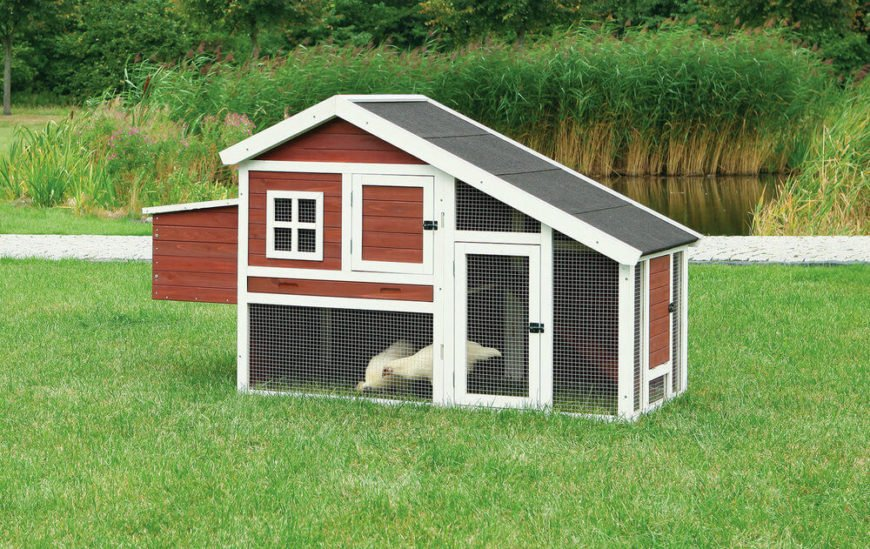 With a professional quality roof and attractive two-tone paint job, this barn styled chicken coop features ample space and an elevated roosting space. We love the amount of access doors for convenient feeding.