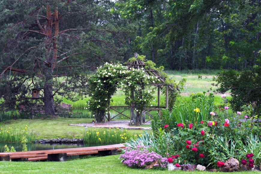 Vines can really bring a gazebo to life. Use them to tie your structure in with your garden and landscape. Ample vines can be an attractive addition to your gazebo.