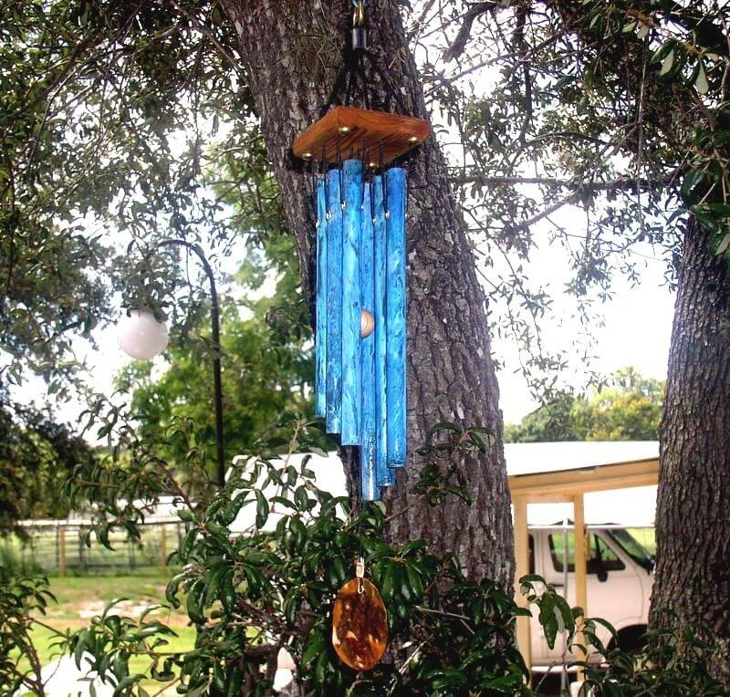 This stylish set of wind chimes has nice bold colors and design. The copper tubed wind chime produces a calming and tranquil sound as a gentle breeze passes through your gazebo.