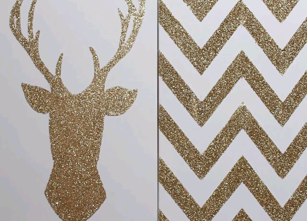 If a bit of sparkle is what you desire, these awesome glittery canvas prints are the perfect thing for your room or dorm; and they're a super easy DIY!