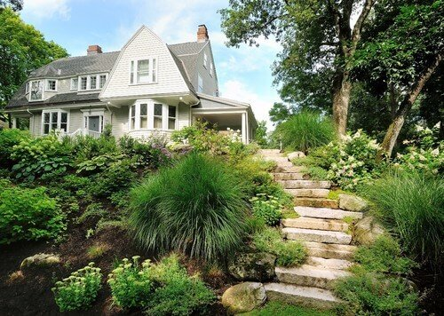 When you have large and lush bushes you can nearly hide your steps.