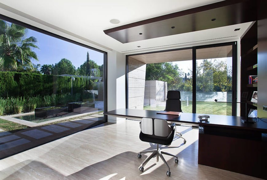 The office, like the rest of the home, is simple with minimal extraneous features. It makes the most out of its simple and stylish features.
