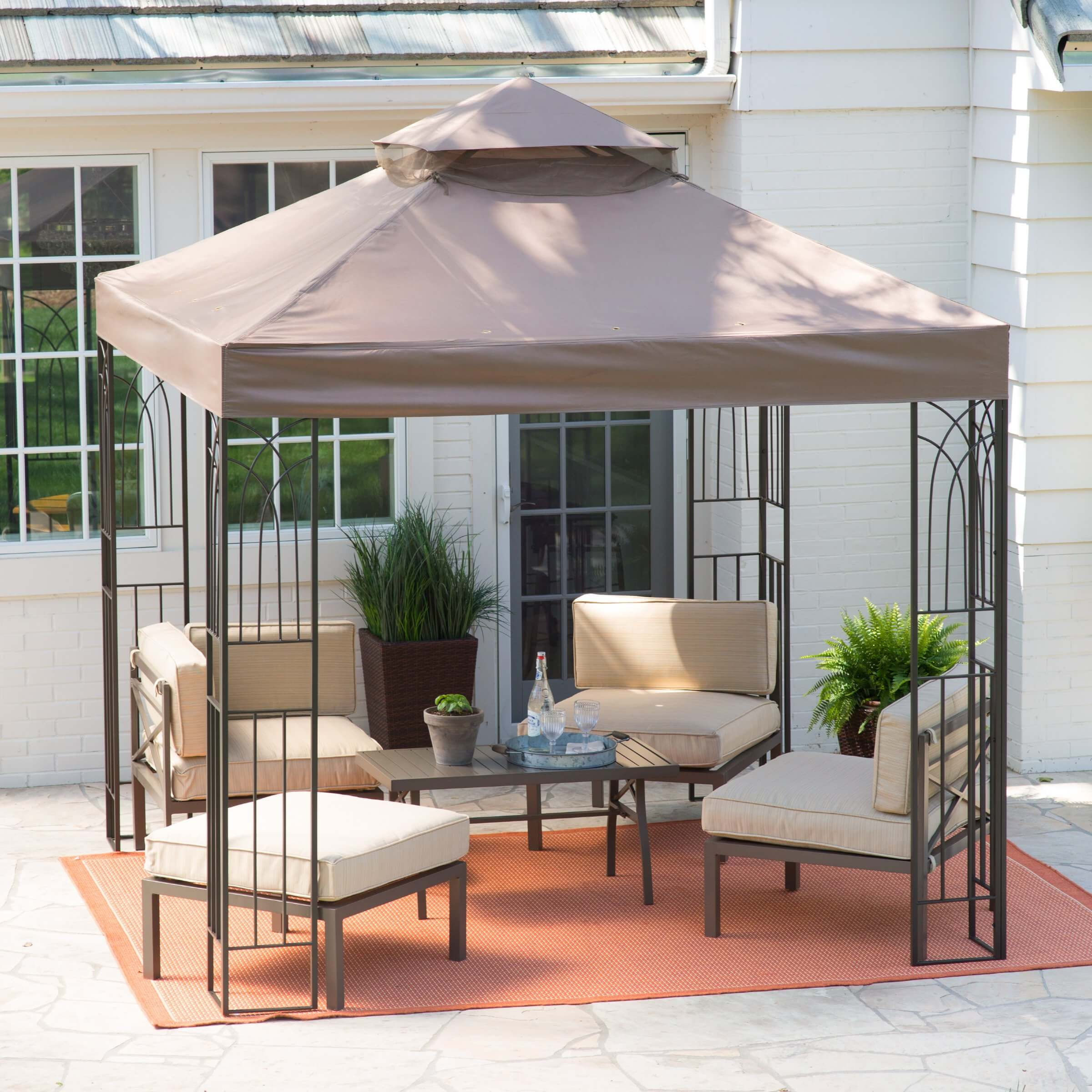 This gazebo is a simple and quality gazebo that will suit most needs. It is both mobile and lightweight so it can be transported without much trouble.