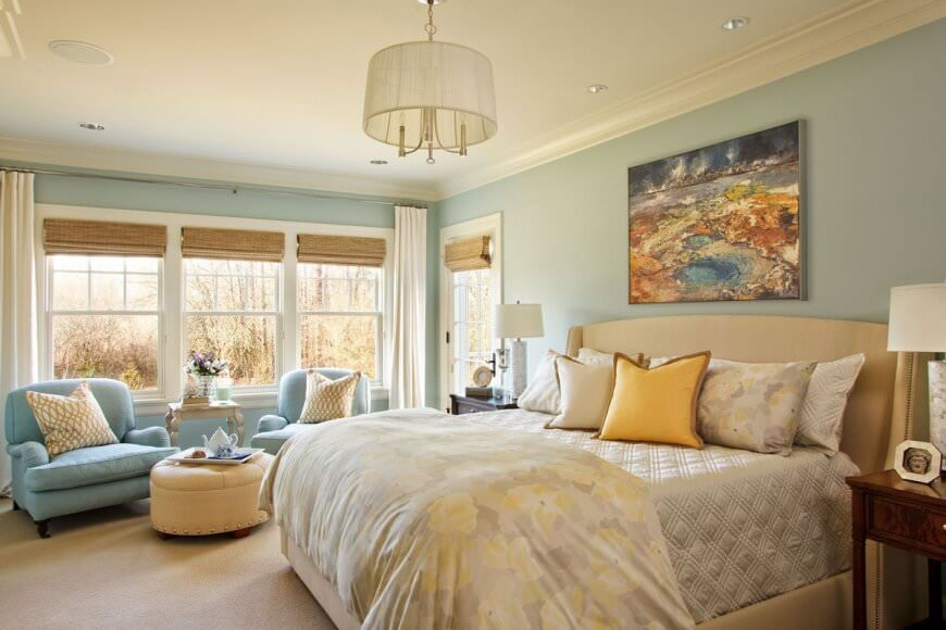 Imagine this room without just one detail? Yes, the painting on the wall. Add details in your bedroom. Make it a bit more lively, and you will enjoy all your time spent there, whether you are just relaxing in your sitting area or preparing to fall asleep.