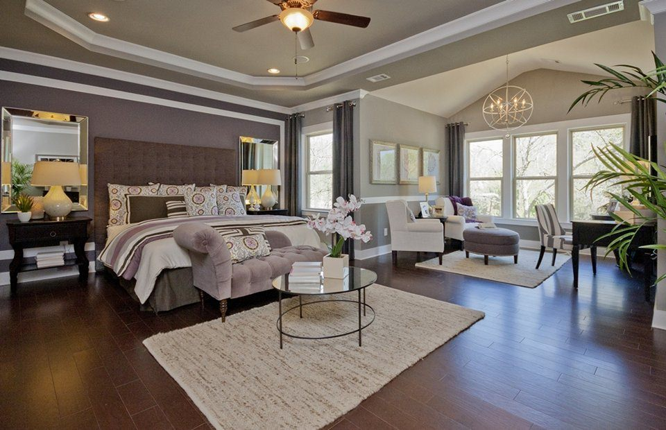 Sometimes all you need is enough space. This room hosts an intimate sitting area as well as a desk, for writing a letter or card to loved ones.