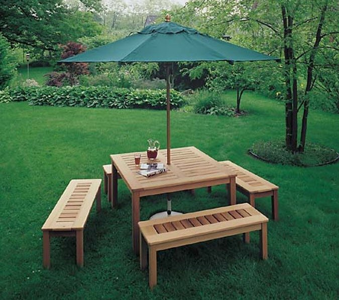 Example of Outdoor Umbrella Table Plan in Teds Woodworking