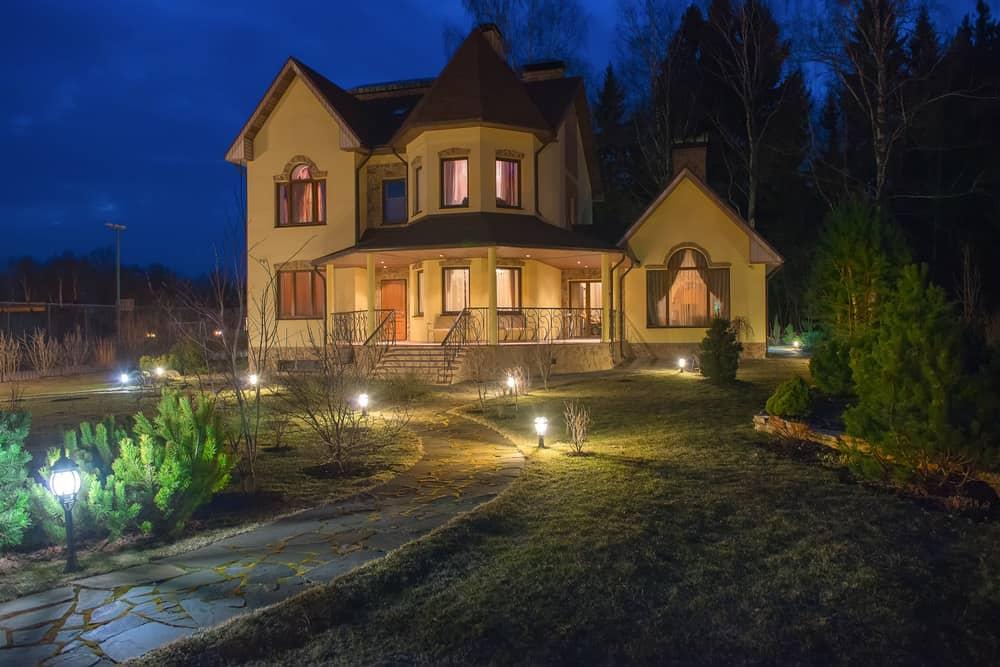 Front Home Walkway Lighting