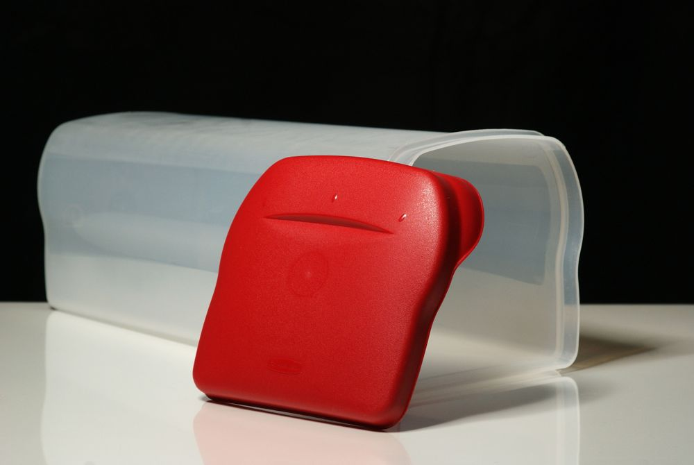 The plastic breadbox is perhaps the most practical of breadboxes. It is light and durable and tightly seals to ensure your bread stays fresh for longer.
