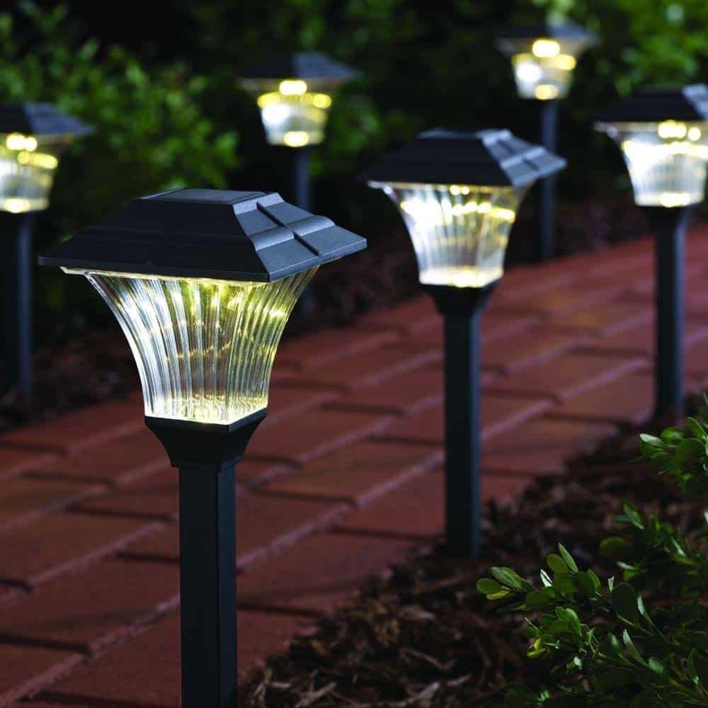Solar-LED-Pathway-Lighting