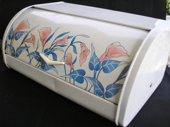 Enamel bread box
