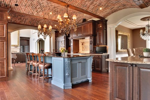 The tiling in ceiling of this kitchen is exquisite.