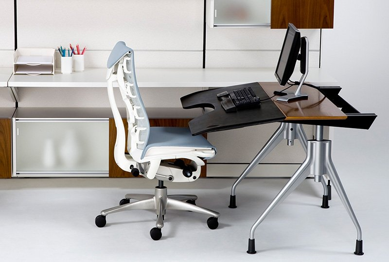 Adjustable height computer desk (motorized)