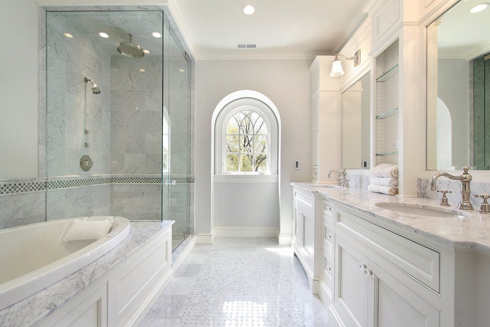 33 elegant white master bathroom ideas 2019 photos rh homestratosphere com luxury white bathroom accessories black and white luxury bathrooms
