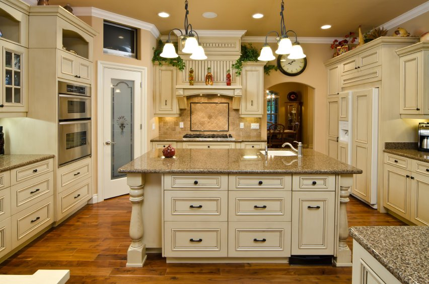 10 most popular kitchen styles layouts colors and materials - Most popular kitchen paint colors ...