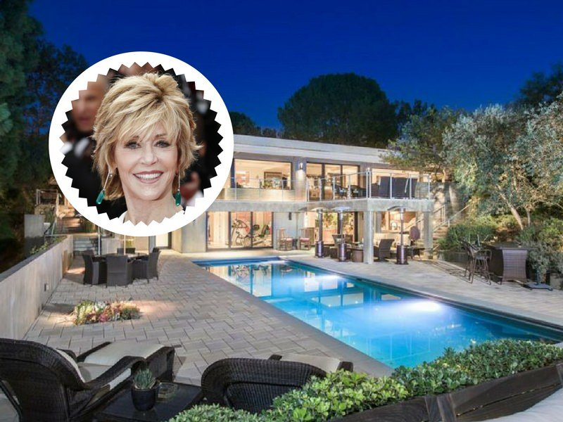 Jane Fonda's former Beverly Hills home's backyard pool
