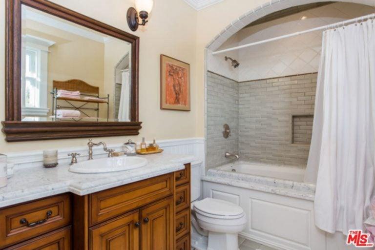 Large bathroom in Jessica Alba's mansion.