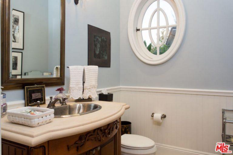 Powder room in Jessica Alba's Beverly Hills mansion.